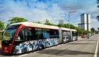 Los autobuses híbridos ahorran hasta un 30% en combustible al año