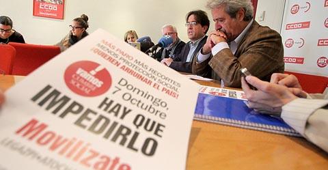 Javier López y José Ricardo Martínez, secretarios generales de CCOO y UGT de Madrid, en el acto de presentación de la campaña de movilizaciones del 7 de octubre de 2012