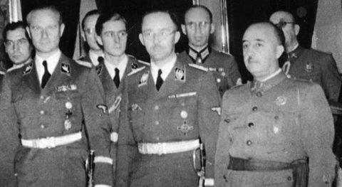 Heinrich Himmler (en el centro) junto a Franco durante su visita a España en 1940. (Foto: Forosegundaguerra.com)