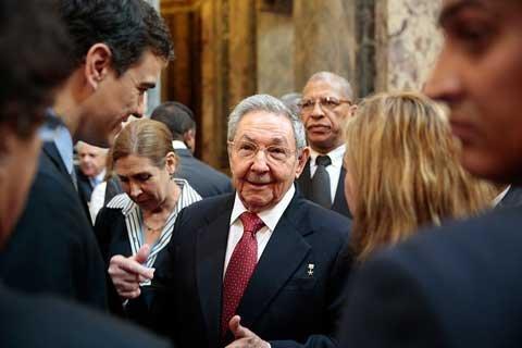 Resultado de imagen de Viaje a Cuba de Pedro Sanchez