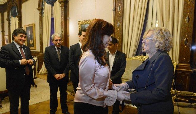 La presidenta Cristina Fernández recibió en su despacho de Casa de Gobierno a la Alcaldesa de Madrid, Manuela Carmena Castrillo | Foto: Casa Rosada