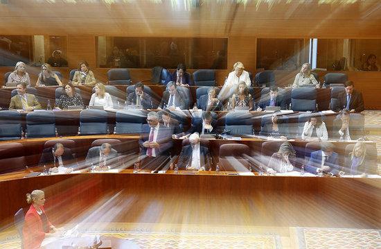 Cifuentes cesa al director general de empleo por su for Sede de la presidencia de la comunidad de madrid