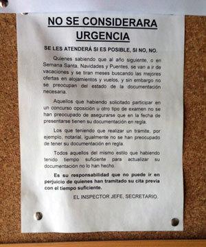 La polic a culpa a los ciudadanos del caos en las oficinas for Oficinas para renovar dni en madrid