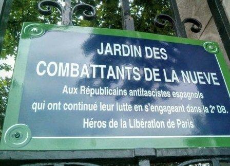 """Placa  en homenaje en París a los combatientes españoles de """"La Nueve"""" en la """"Résistance""""."""