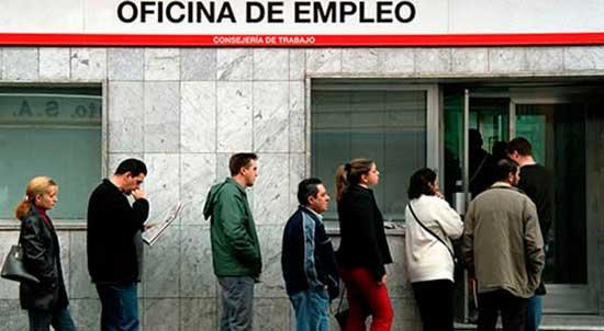 Diez años de crisis: Cien millones de horas semanales de trabajo menos