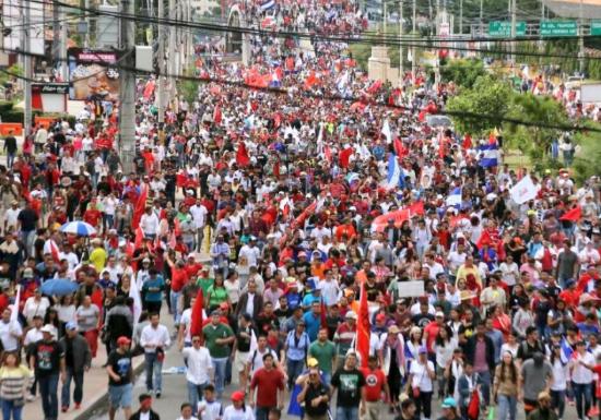 """Un duro informe de la OEA constata """"irregularidades"""" en las elecciones en Honduras"""