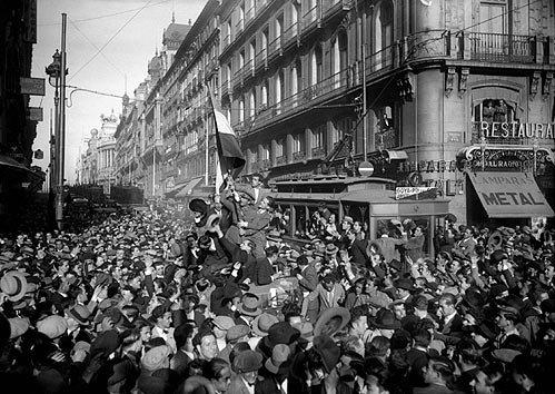 El pueblo de Madrid en la proclamación de la II República.