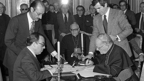 Firma del acuerdo entre España y la Santa Sede en 1979.