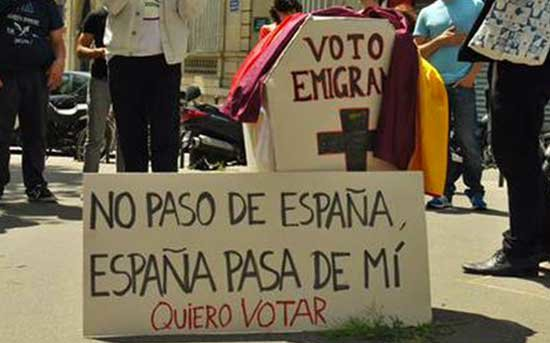 No nos vamos, nos echan, y además, nos hacen la vida imposible para votar