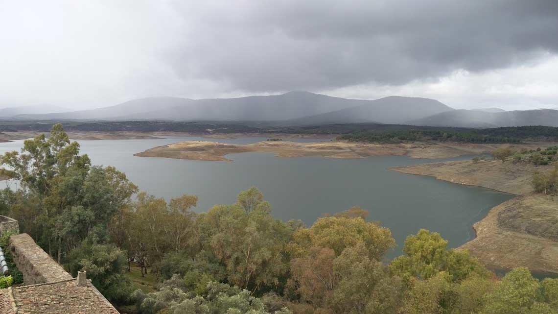 Pantano Gabriel y Galán. Río Alagón. Provincia de Cáceres. Imagen: nuevatribuna.es