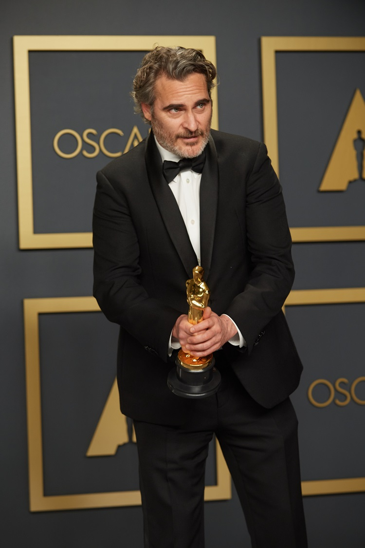 Joaquin Phoenix poses backstage with the Oscar® for Actor In A Leading Role during the live ABC Telecast of The 92nd Oscars® at the Dolby® Theatre in Hollywood, CA on Sunday, February 9, 2020.