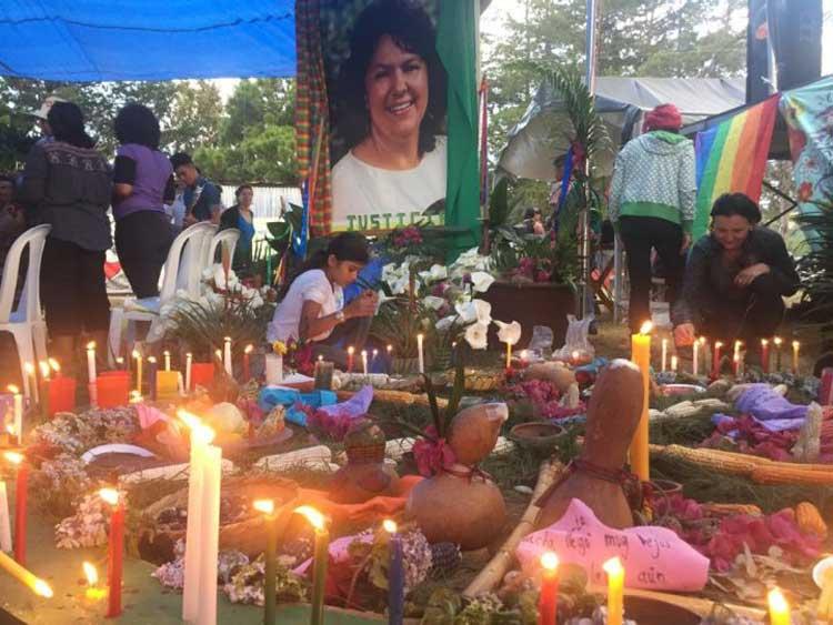 Resultado de imagen para Sucesivos escándalos en el gobierno colombiano
