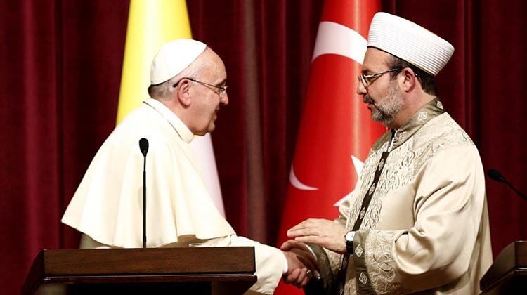 Reflexiones en torno al discurso dogmático: los discursos cristiano y musulmán