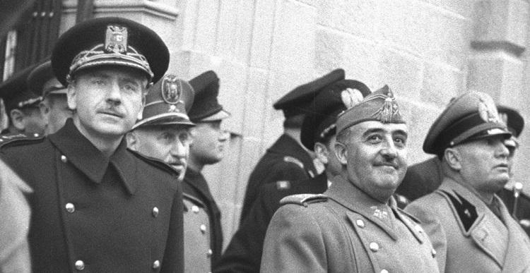 Franco, junto a Serrano Suñer (Izq.)